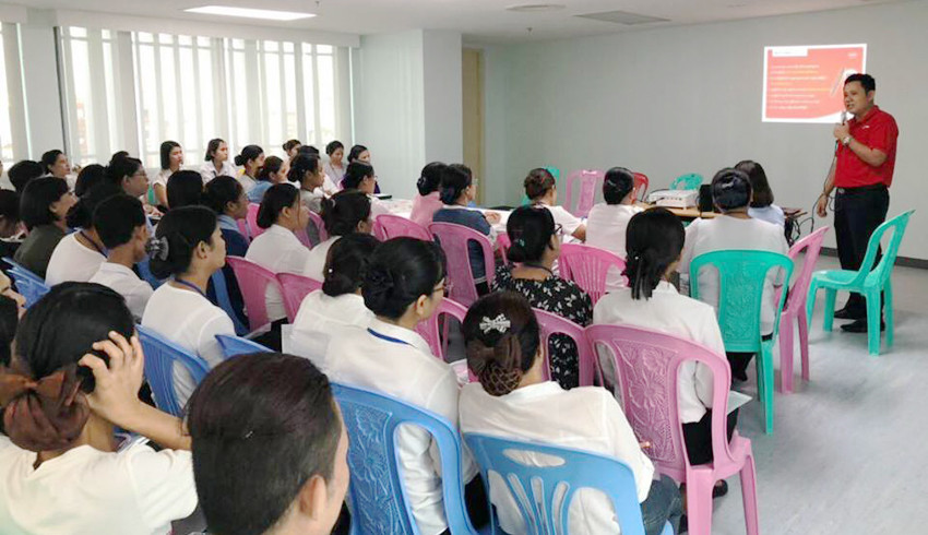 Accu-Chek Glucometer Training and Demonstration at Ar-Yu International Hospital